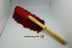 Special for your Porsche we now have the California Car Duster with wooden handle. The California Car Duster is well known tool in all showrooms, so keep your polished car in perfect condition. There is no need to wash the California Car Duster, the more